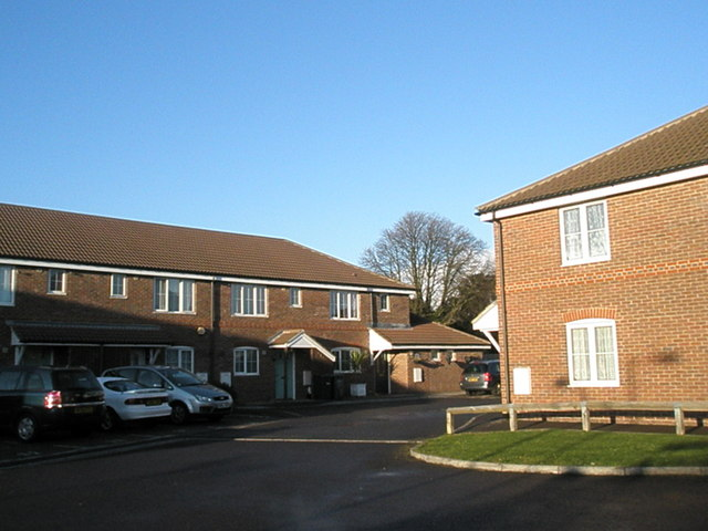 Houses at the end of Centenary Gardens, Havant