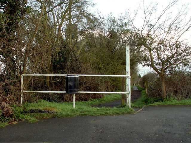 Public footpath at Hullbridge