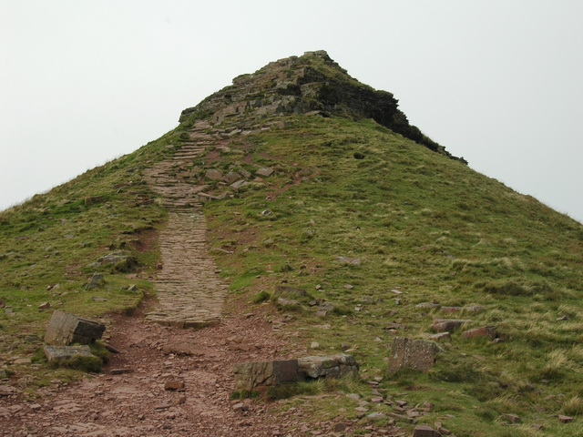 Corn Du approached from the South