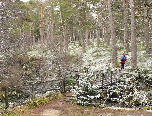 Footbridge over the Allt na Bogair