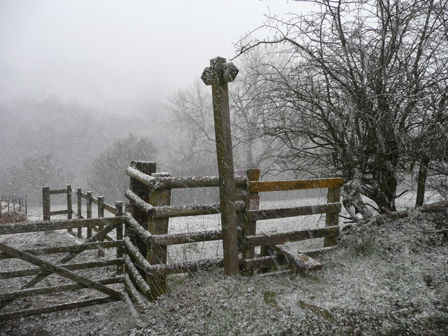 Stile and signpost opposite Capel y Ffin YH