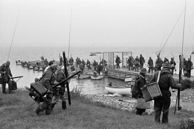 B and H  National Fly Fishing Championships 1986 start on Grafham Pier