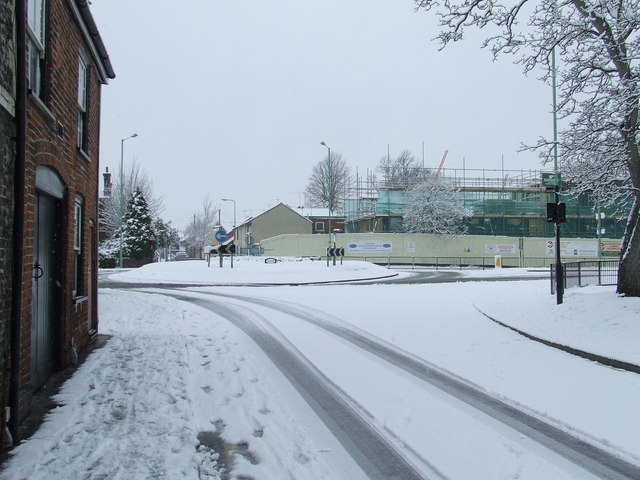 Parkway and Kings Road roundabout in the snow