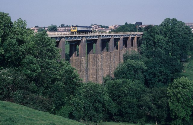 Liskeard viaduct  summer morning