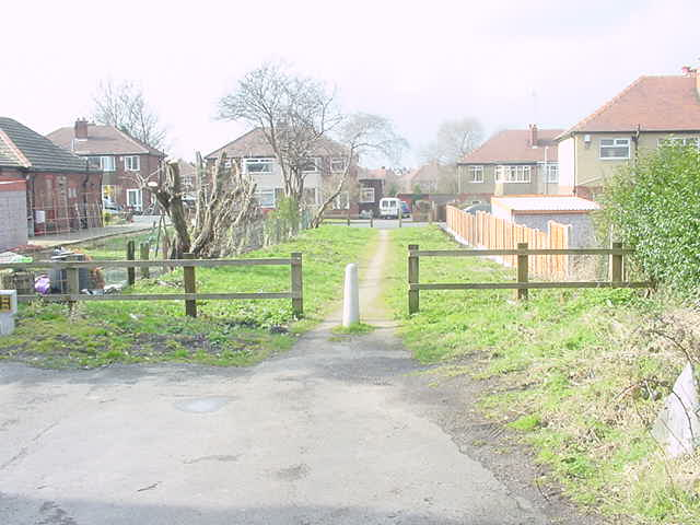 End of Hollyshaw Walk, formerly Green Lane