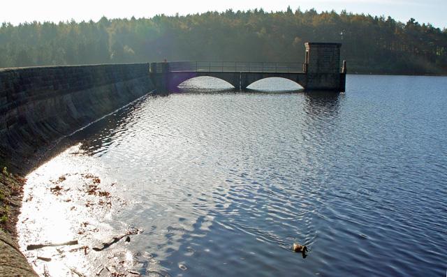 The Sluice, Upper Lineacre Reservoir