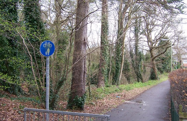 Path from Highlands Rd to Miller Drive-Fareham