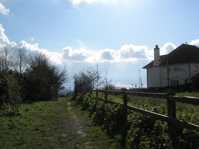Footpath between Hoylake Road and Pilgerruh
