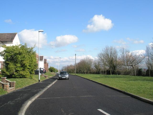 Looking eastwards along Hoylake Road