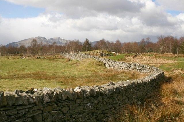 Dry stone wall near Tomen-y-mur