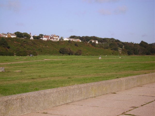 From the sea wall across the Denes to Corton Cliff