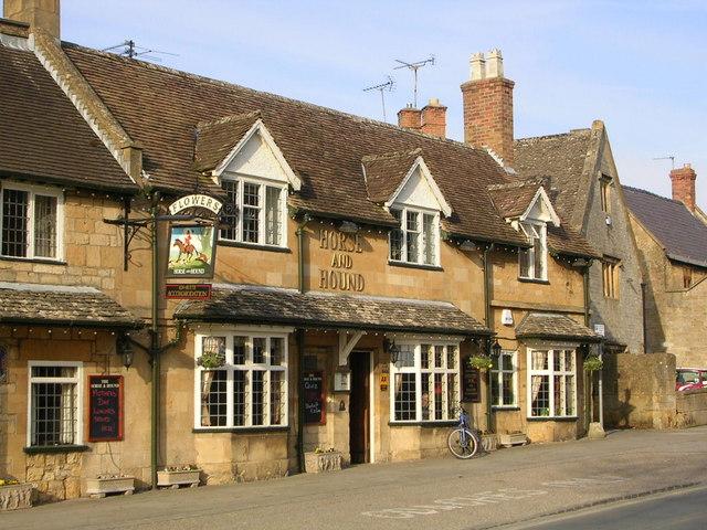 Horse & Hound pub