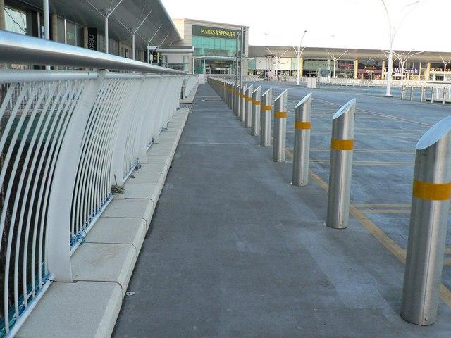 Strouden: car park pillars at Castlepoint