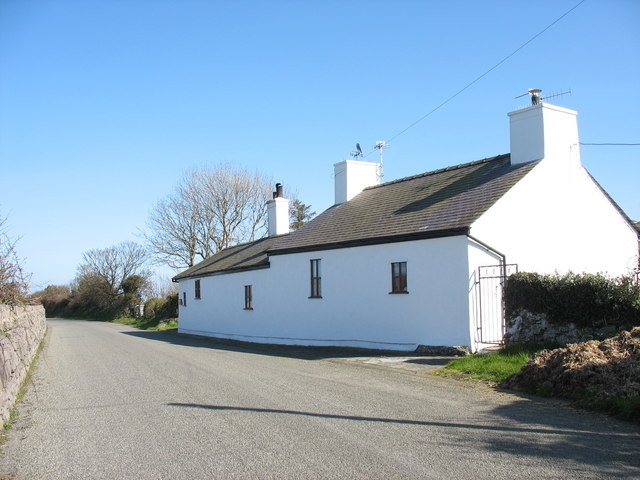 The roadside Cae Ficer cottage