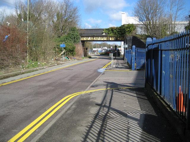 Watford: Ascot Road railway bridge