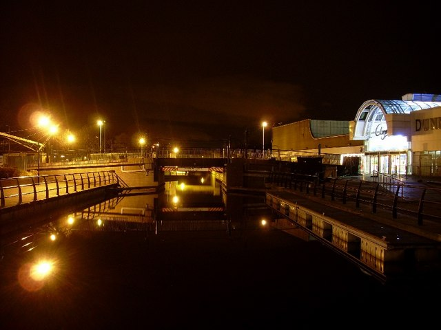 Canal Bridge, Clyde Shopping Centre, minus roof