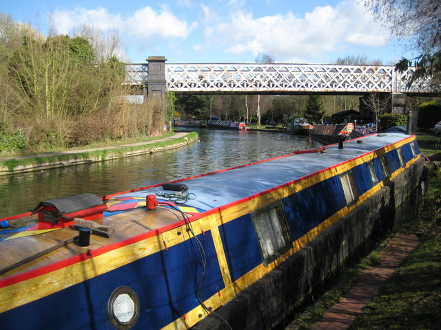 Grand Union Canal: Croxley Green railway viaduct