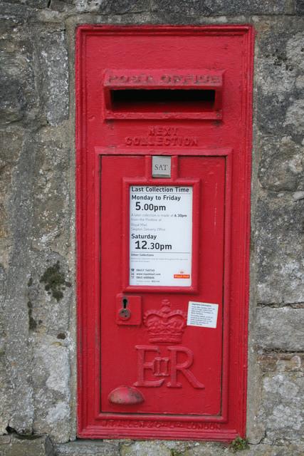 Elizabeth II Postbox, Hetton