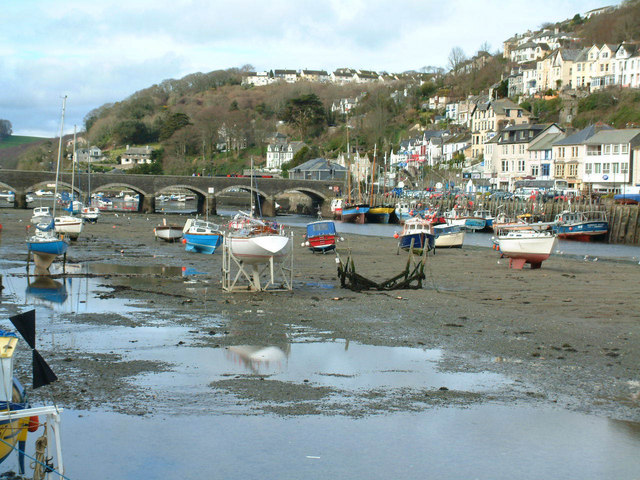 Looe harbour tide out