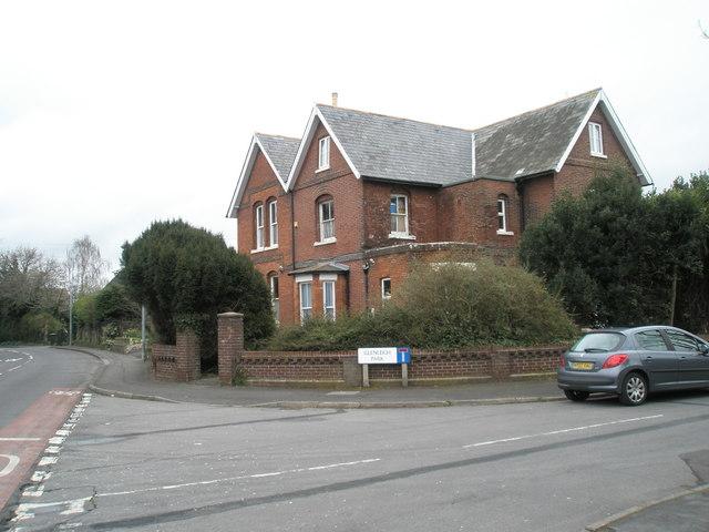 Derelict house on corner of Glenleigh Park