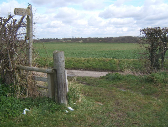 Start of footpath from Fossetts Lane