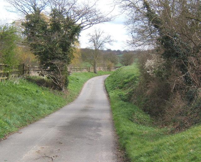 Fossetts Lane, looking east