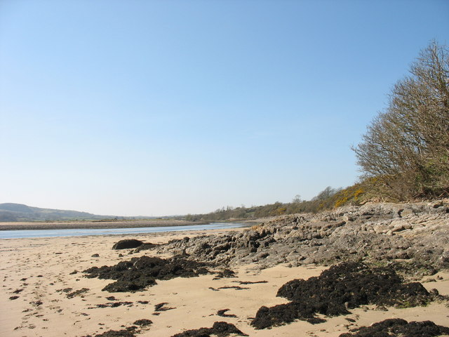 View upstream along the beach in the direction of Traeth Dulas