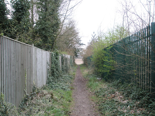 Path from East Leigh Farm to Bartons Road
