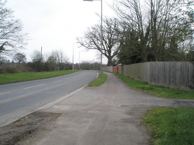 Looking eastwards along Bartons Road