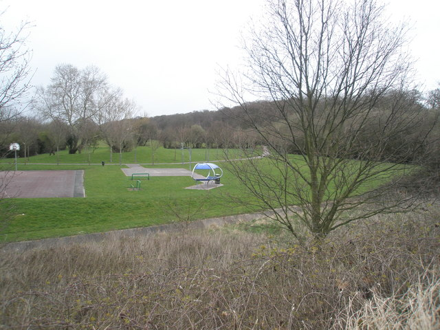Recreation Ground between Wakefords Way and Bartons Road