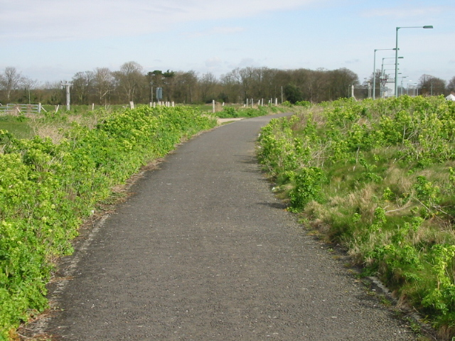 Footpath and cycle track towards Acol