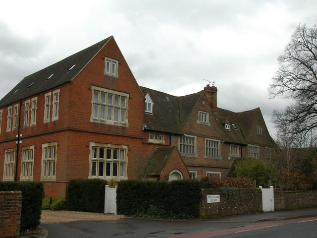 Eggar's Almshouses, Alton