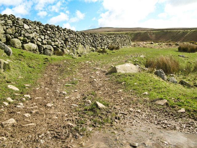 Bridleway to Corney Fell