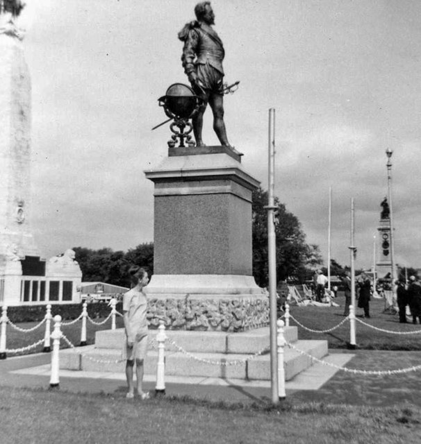 Statue of Sir Francis Drake, Plymouth Hoe, Plymouth, Devon