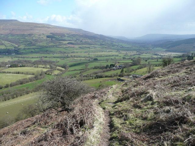 Descending Cefn Moel