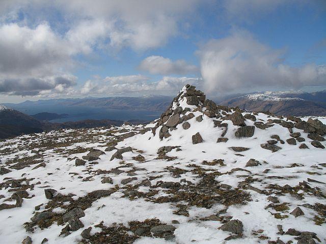 Summit, Meall a' Chaorainn