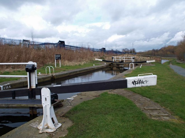 Lock 4 on the Huddersfield Broad Canal