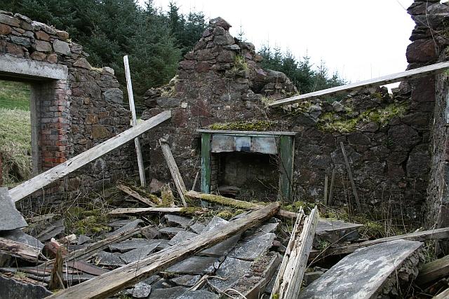 Ruin at Killypole, Interior