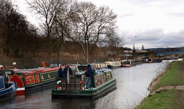 Cruising on the Calder and Hebble Navigation