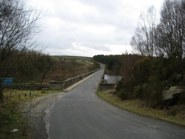 Road across Thruscross Dam