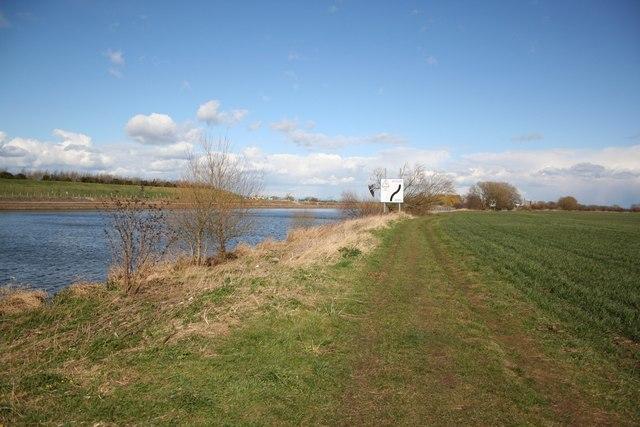 Approaching Averham Weir