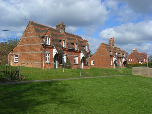 Railwaymen's cottages, Great Bedwyn