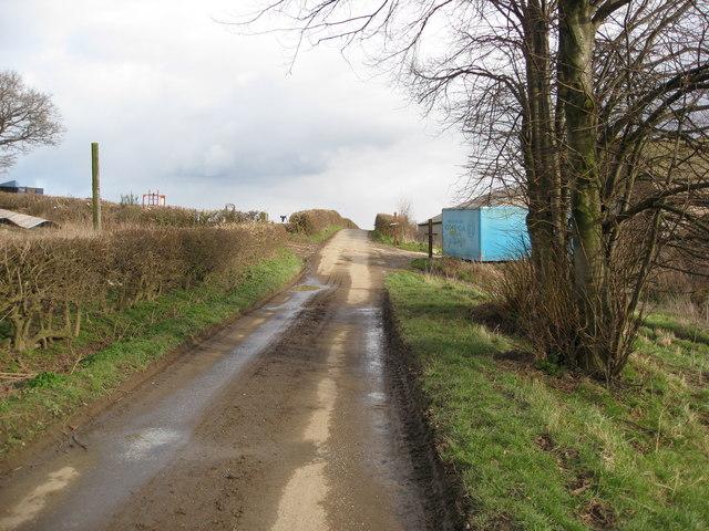 Hazelhurst Lane approaching Hazelhurst Farm