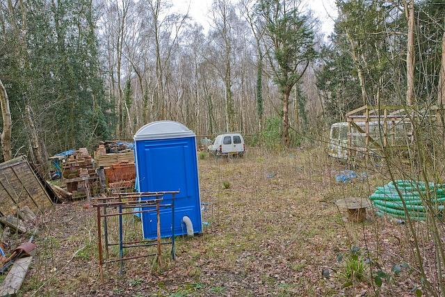 Yard opposite Gunsfield Lodge, Compton's Drive
