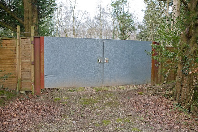 New gate on Compton's Drive