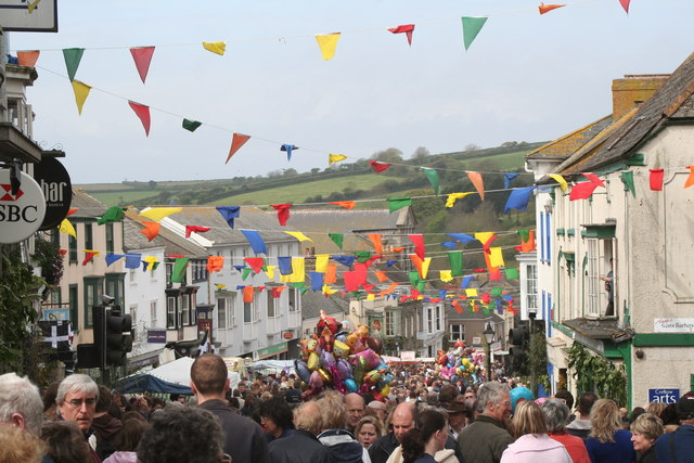 Coinagehall Street Helston on Flora Day