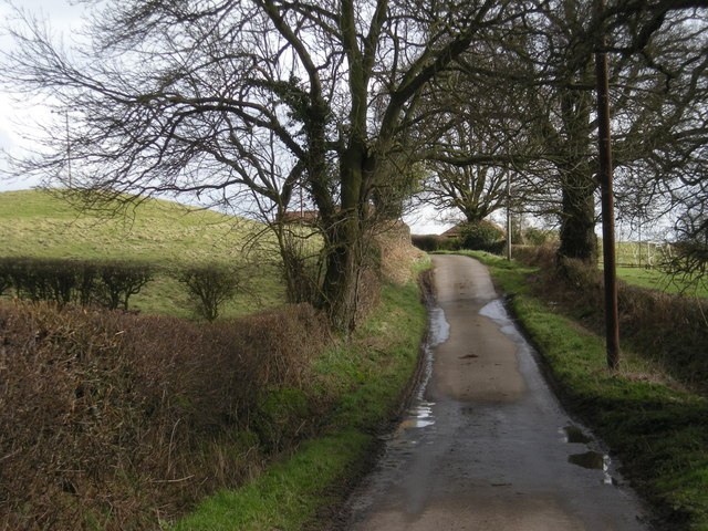 Approaching Little Hall Farm