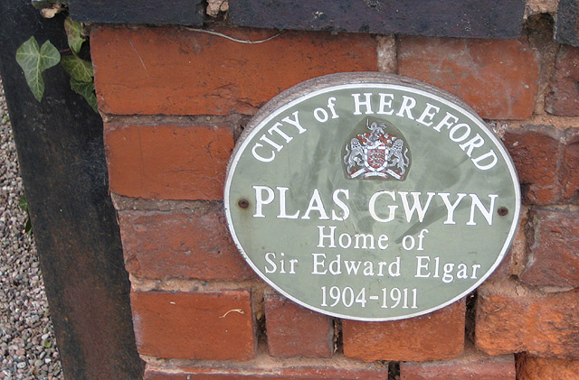 Plaque on Plas Gwyn