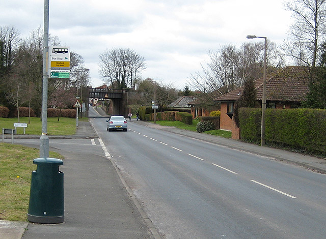 Railway crosses the B4224