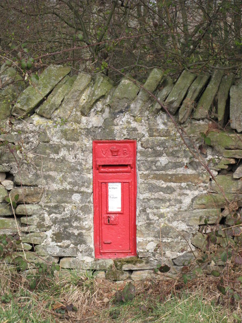 Victorian postbox in Wooley